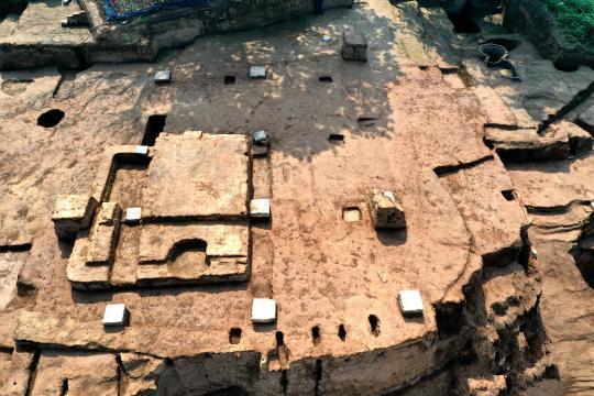 西安唐华清宫朝元阁遗址考古新发现 整体建筑至少有三层屋檐