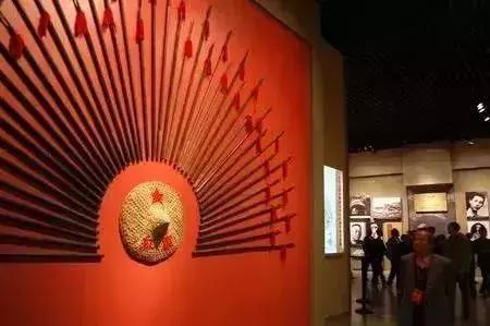 红色收藏 一个令众人着迷的收藏行业!