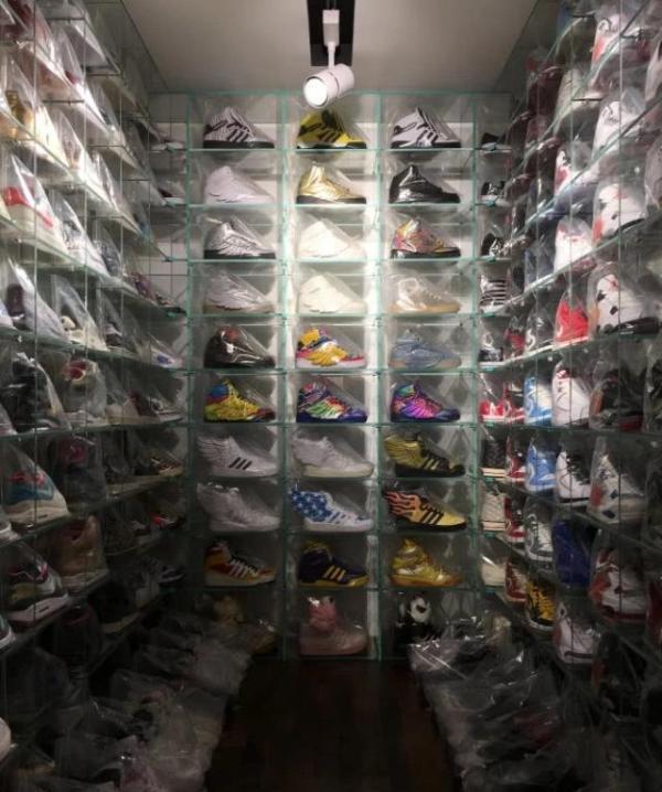 杜海涛住的豪宅 有专门用来放鞋的地方