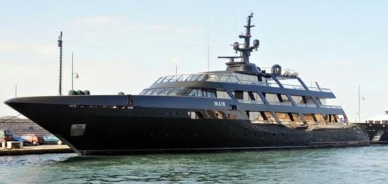 从买豪车到买飞机 再到曾经花3千万美元买下当年世界最大的游艇