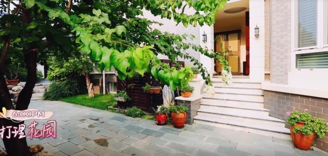 张国立的豪宅曝光 超大花园生活应该很是舒适