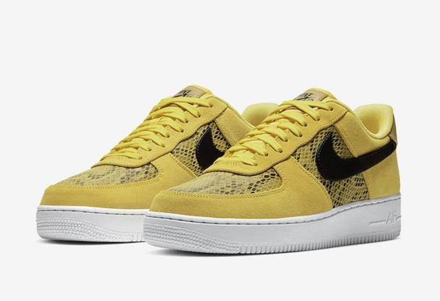 近日 又有一款全新蛇纹元素Nike Air Force 1即将登场