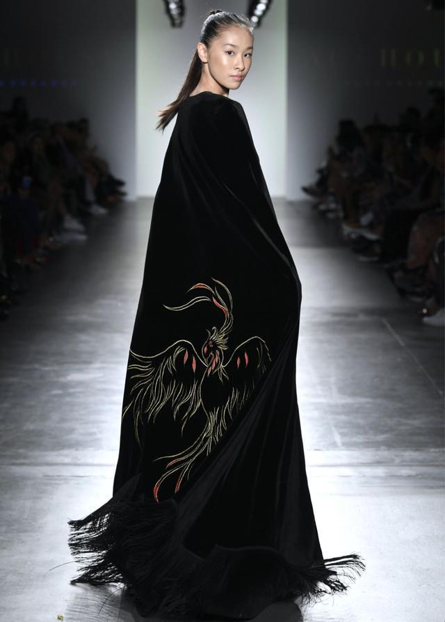 西安时装设计师刘莉莉受美国时装协会官方邀请 带着她的高定时装品牌艳惊纽约