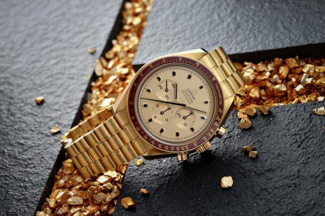 欧米茄超霸限量版MOONSHine 18K金款腕表 以纪念人类首次登月50周年金色周年