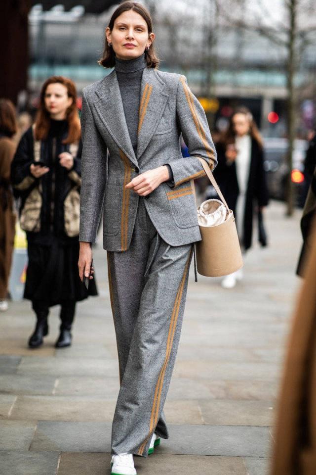 西装+阔腿裤好气场 伦敦时装周都这样穿!