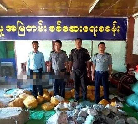 缅甸一卡车上查获2800公斤翡翠原石 价值高达1.4亿缅币