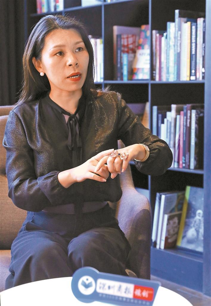 """深圳""""珠宝人""""杨娜:设计师是贯穿整个制作过程的灵魂"""