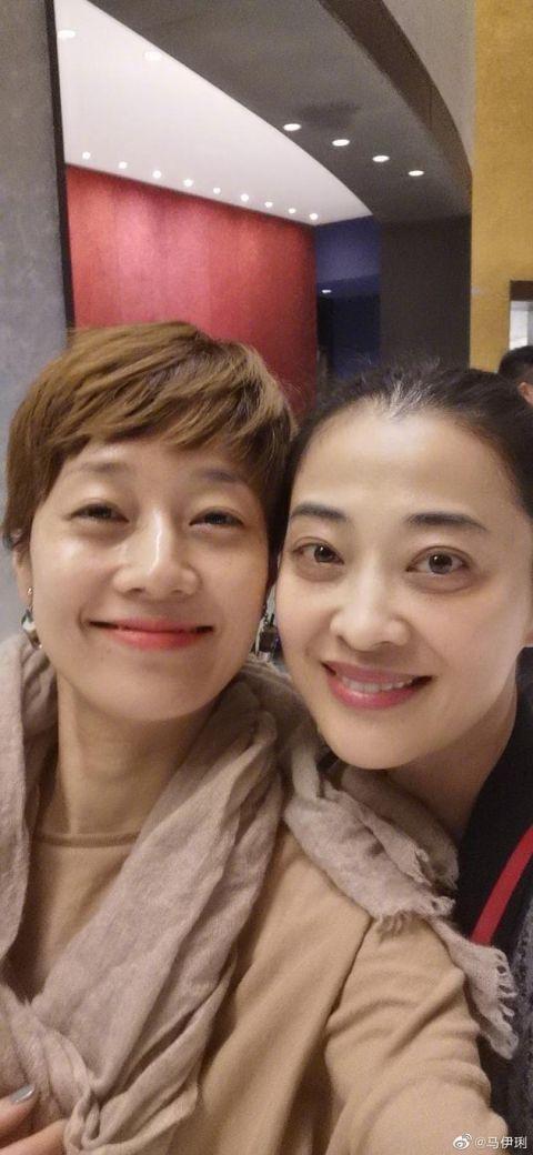 """马伊琍梅婷出游 剧中是""""情敌""""戏外却是真闺蜜"""