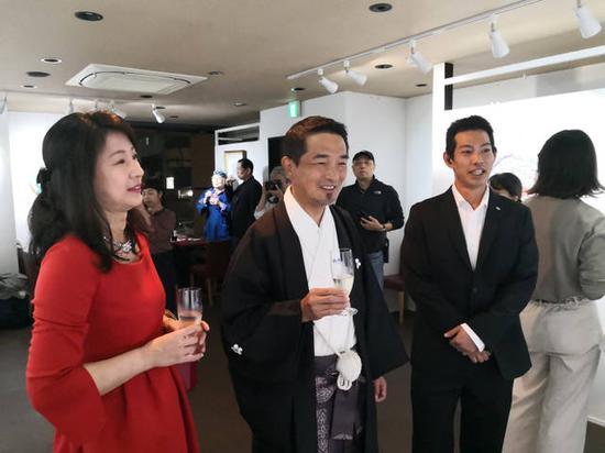 国著名当代美术家、黄药先生艺术展在大阪开幕