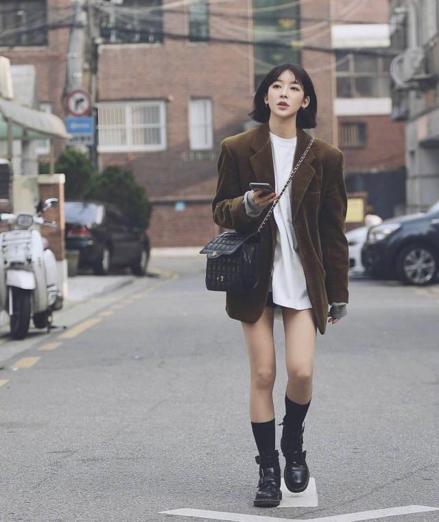 韩国首尔时尚街拍 时尚达人穿得又美又飒
