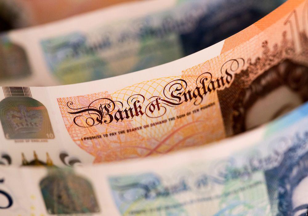 英镑料创逾10年来最大月线升幅 无协议退欧的风险消退