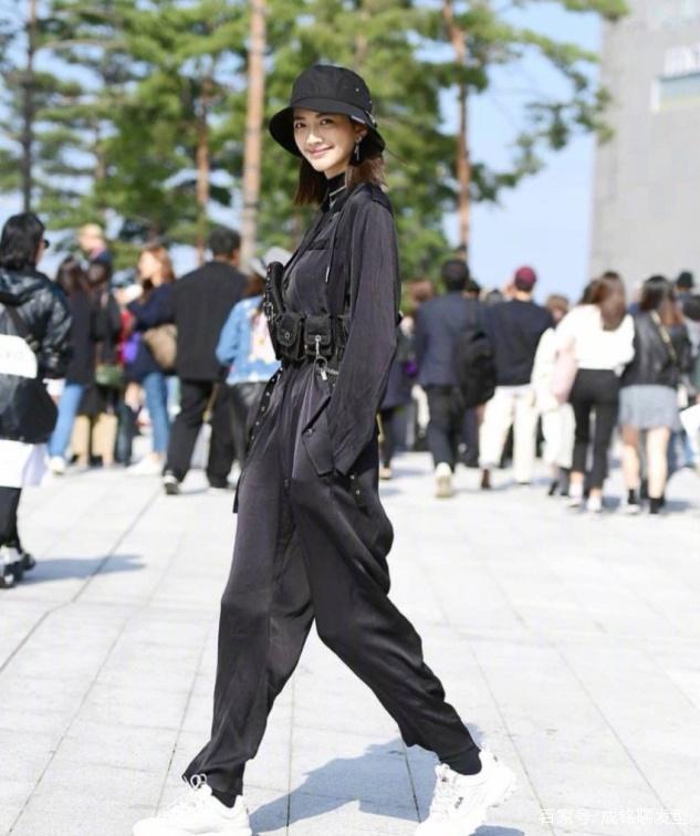 首尔小姐姐街拍 时尚帅气又时髦!