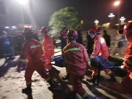 四川夹江工地垮塌 两名被埋工人确认死亡