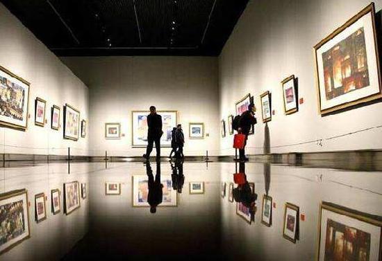 美术馆明码标价的画 值得买吗?