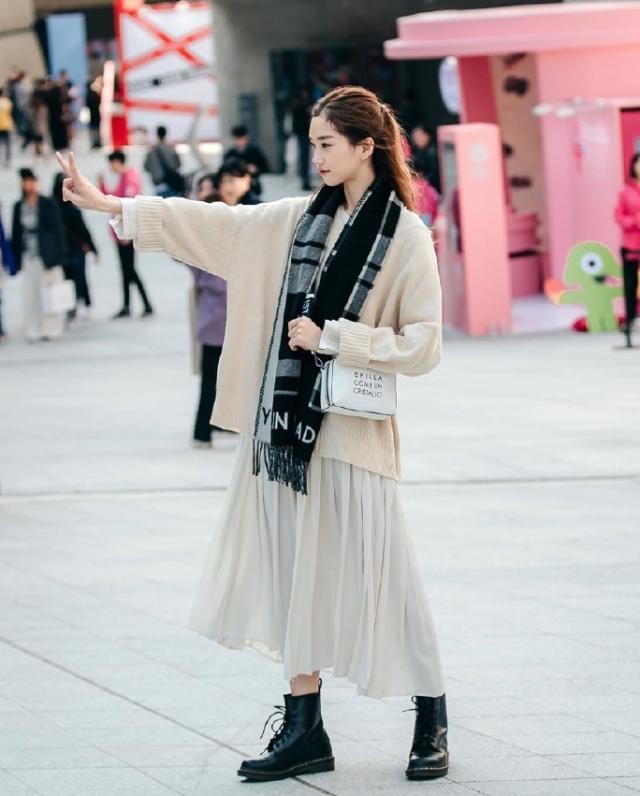 简约韩版风格街拍 美到骨子里了!