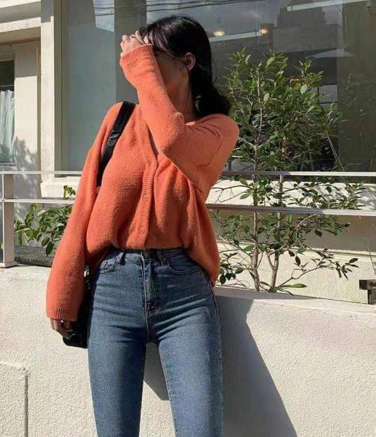 温柔的毛衣穿搭 简单的才是最美的!