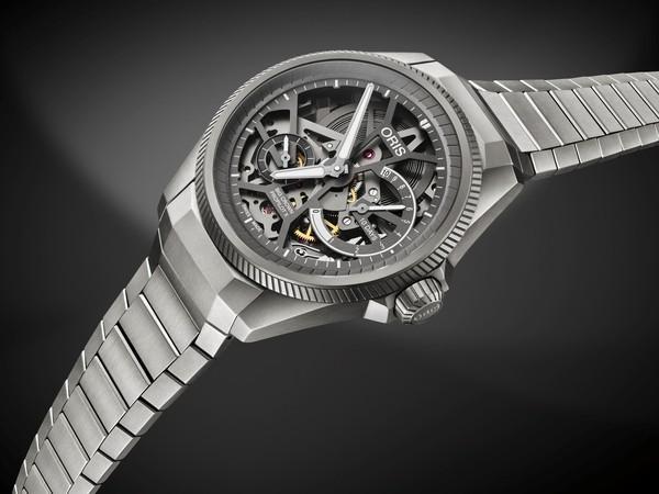 "Nomos推出了Tangomat纪念款腕表 来致敬""形随功能而生""的美学精髓"
