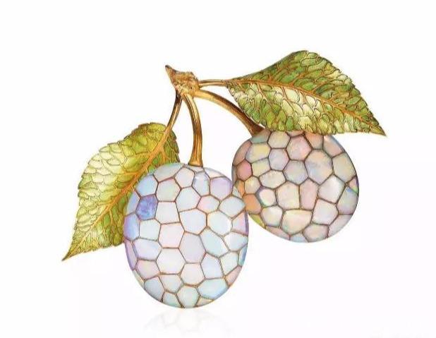 这些珠寶设计风格独特 尽情展现时代前卫感