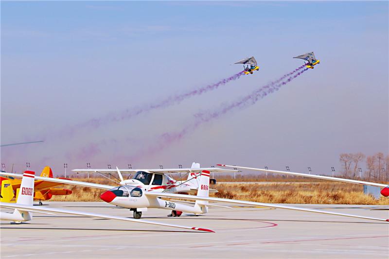 2019年中国国际轻型飞机公开赛在山西大同北岳机场举行