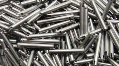 冬季限产来袭 水泥螺纹钢价格年末冲高