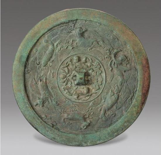 中国古代铜镜的发展及功能的转变