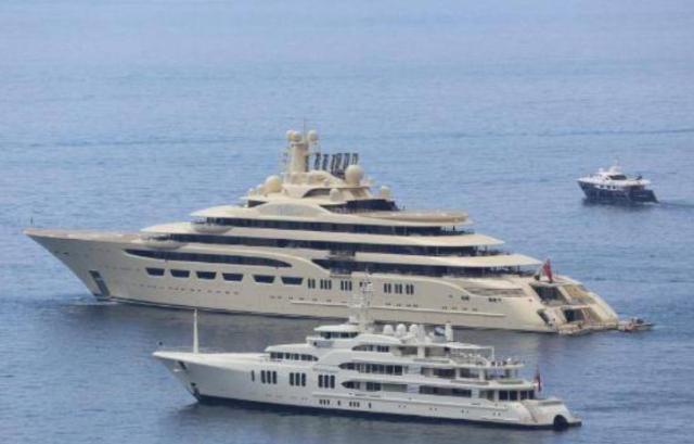 大型游艇仍在世界各地航行 比俄罗斯海军舰队更引人注目