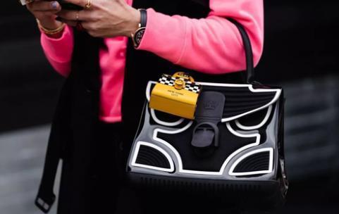 买包包首选这几种款式 造型时髦又实用!