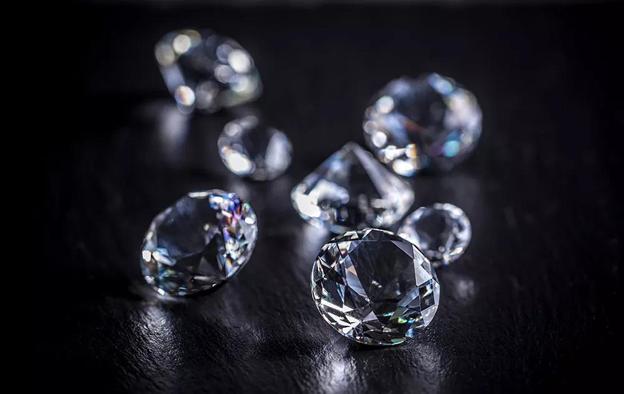 如何选购钻石纯净度