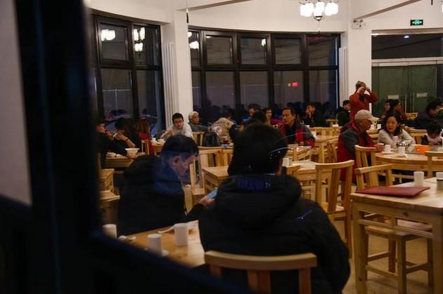 燕龙餐厅重新开业 焕然一新开始接受手机支付