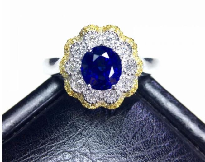 """君枫珠宝的""""皇家蓝""""蓝宝石 稀有价值同样很高"""