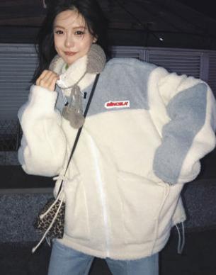 冬季小个子专属穿搭 羊羔绒搭配直筒裤简直完美!