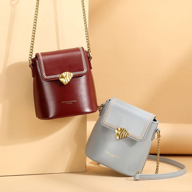 冬天流行小包包 时髦便携又可爱!