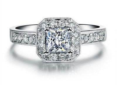 1克拉公主方钻石和圆形钻石哪个大?