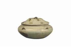[鸡血石图片]洪州窑青釉点彩四系带盖瓷罐鉴赏
