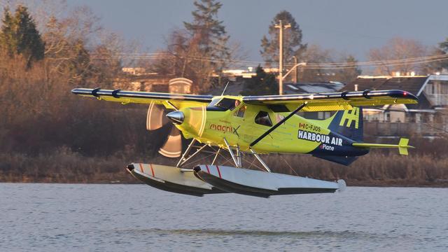 首架电动飞机首飞 电动航空时代来了?