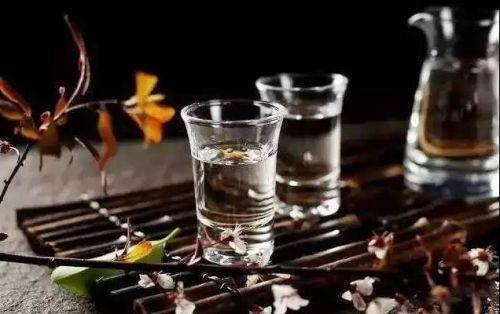 沿至当下的老酒市场 茅台更是一瓶难求!