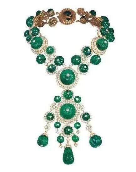 """""""梵克雅宝:时间、自然与爱情""""高级珠宝展览亮相米兰王宫"""