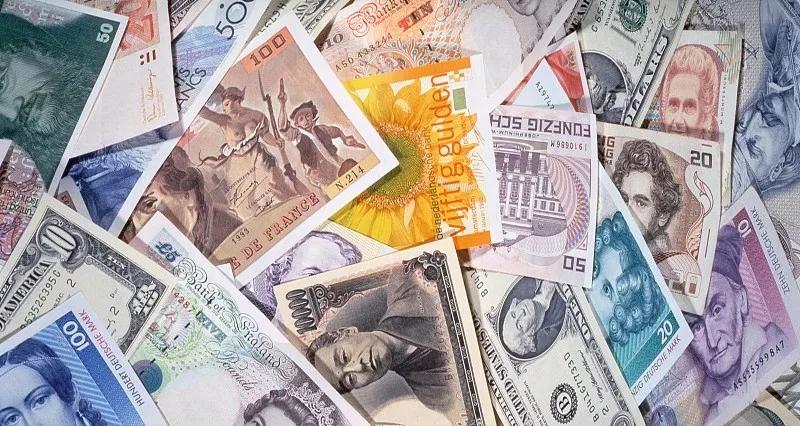 美元遭遇抛售:欧元冲破1.12
