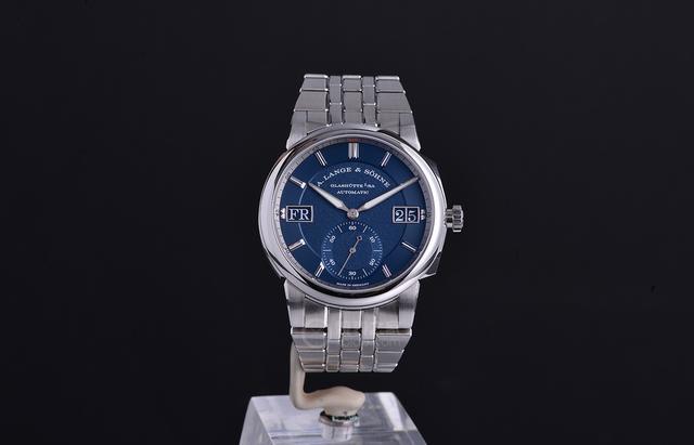 朗格推出了历史上的第一枚量产的钢表——奥德修斯