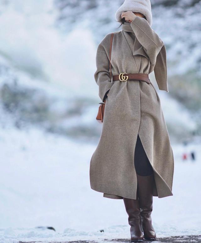学习时尚博主的穿搭 让你冬天美得不一样!