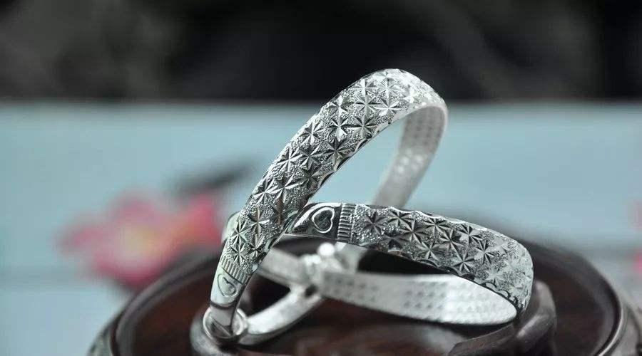 如何鉴别银饰的真假?学会这六大技巧