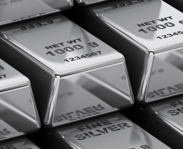 白银跌回18关口下方 市场买盘力量仍薄弱
