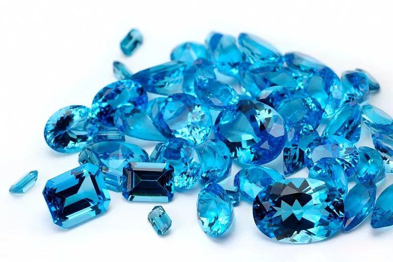 2020的流行蓝席卷珠宝界 入手一款蓝色宝石绝对刻不容缓!