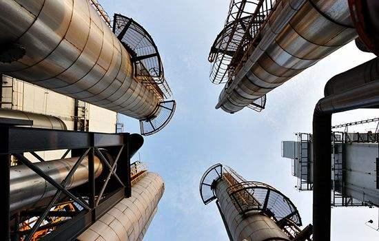 需求持续不振减产压力大 石油出口国经济压力大