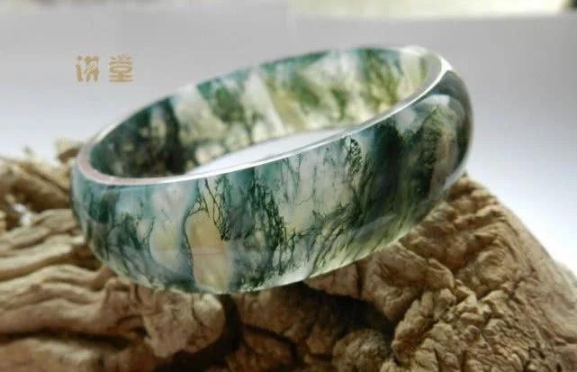 关于紫绿玛瑙与水草玛瑙 哪个更具有收藏价值?