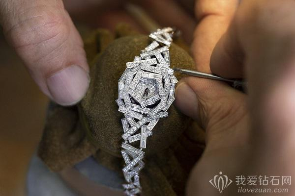 格拉夫Graff推出独一款钻石珠宝腕表——Threads