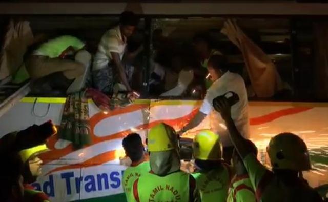 印度南部发生车祸 目前已造成至少19人死亡