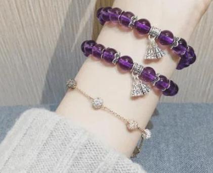 紫水晶如何佩戴 紫水晶手链一般是戴在哪只手呢?