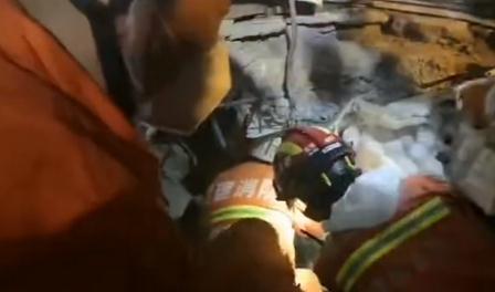 福建酒店坍塌致18死 正在搜救的还有12人
