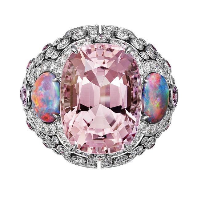 几款桃色摩根石珠宝 设计更显独具魅力
